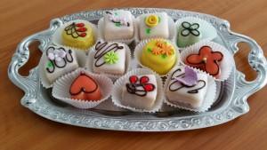 Petit fours, Dessert, Kuchen, Torte, Bäckerei, Konditorei